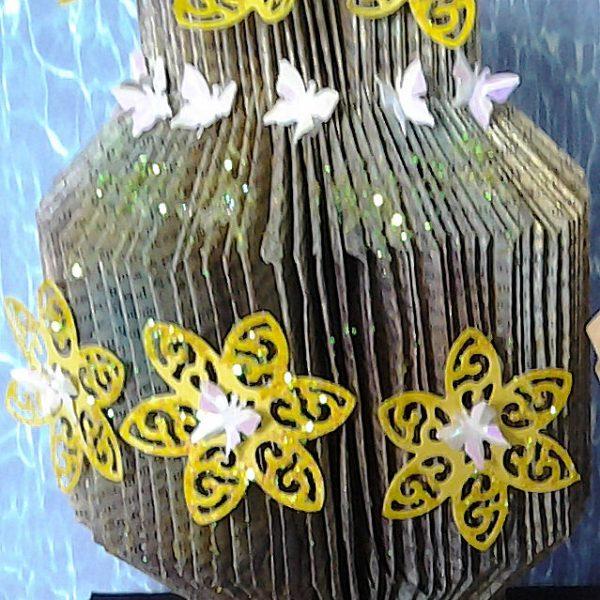 V-VaseWithButterflies
